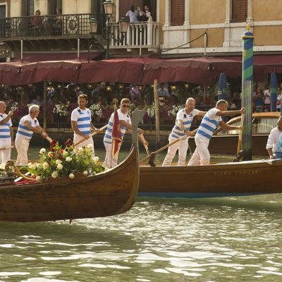 La voga veneta durante la regata storica